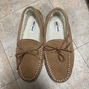Minnetonka loafers 13